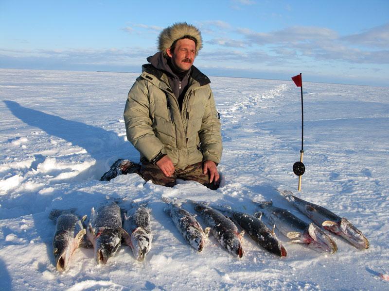 рыбалка на озере дубец